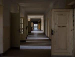 דלתות ישנות